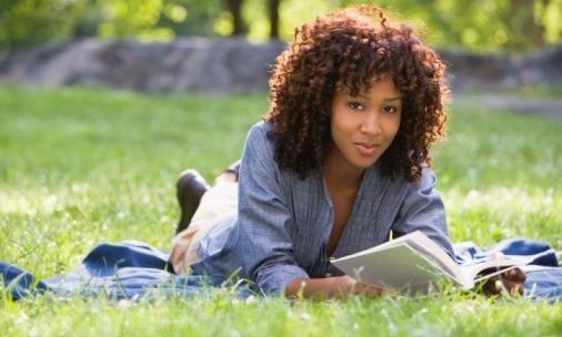 black-woman-reading